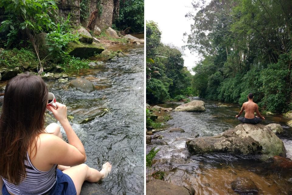 Tomando café e fazendo yoga no rio em Ilhabela