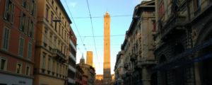 torre asinelli subida destaque