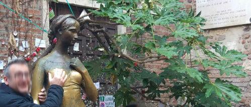 Problematização chique: a estátua da Julieta e o corpo feminino como atração turística