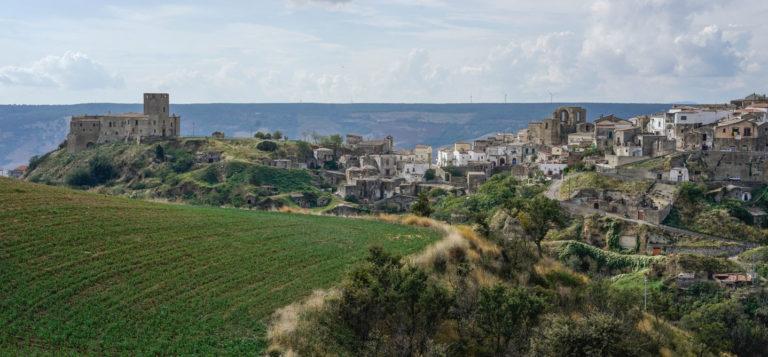 O AirBnB quer te pagar para morar num vilarejo italiano