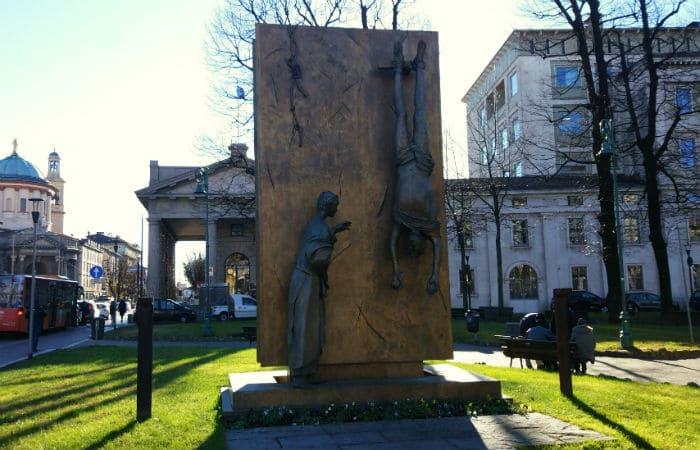 Monumento em Bergamo, na Itália, dedicado aos partigianos mortos na II Guerra Mundial