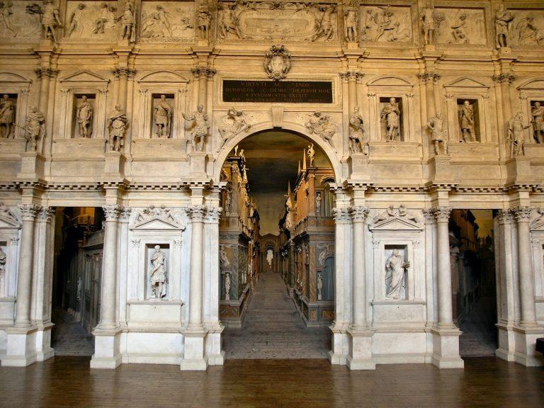 Por dentro do Teatro Olímpico, passeio obrigatório em Vicenza