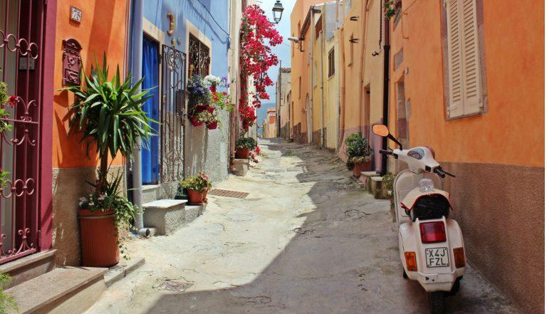 Cidadania italiana com assessoria: vantagens e desvantagens