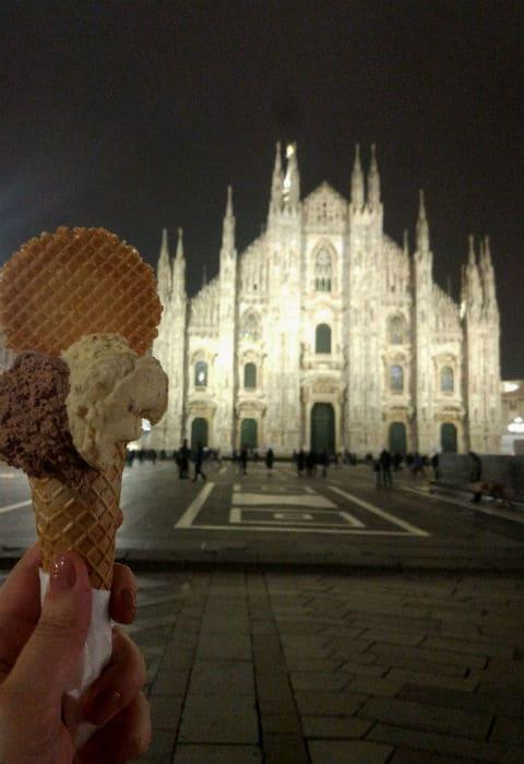 Duomo de Milão e um gelato