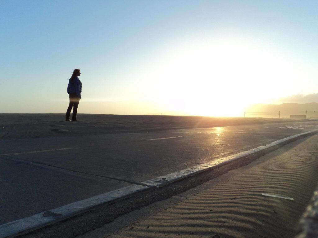 Por do sol na praia de Santa Monica, em Los Angeles