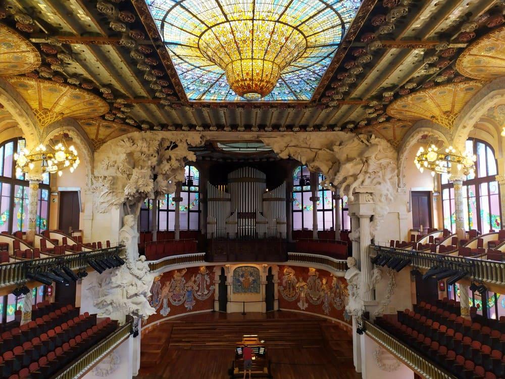 Palco e sala de concertos do Palau da Música Catalana