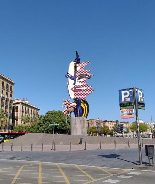 Escultura na Barceloneta, praia em Barcelona