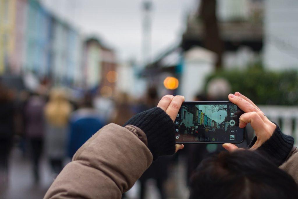Como escolher chip de celular em Londres