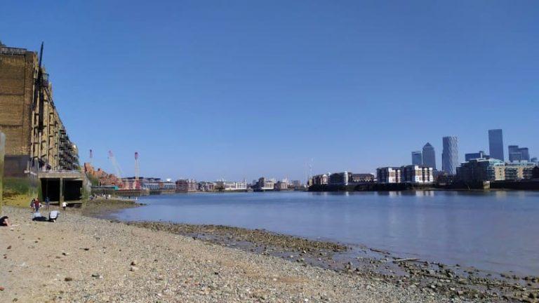 Praia em Londres: onde tomar sol à beira do Tâmisa